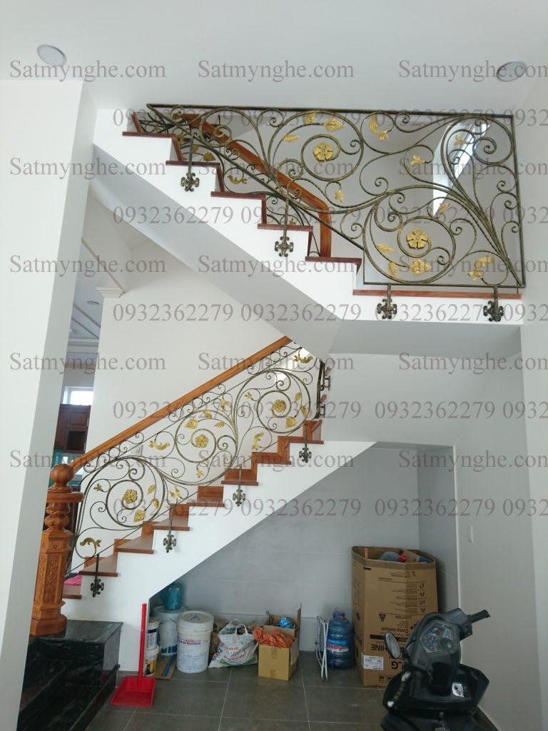 0530fadcd101375f6e10 768x1024 - 100+ mẫu lan can-cầu thang sắt nghệ thuật cổ điển đẹp xuất sắc