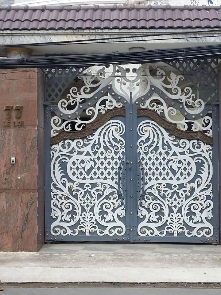 38682752 1106720409487281 7040721553117413376 n - Những mẫu cửa cổng sắt mỹ thuật đẹp nhất-cửa cổng biệt thự