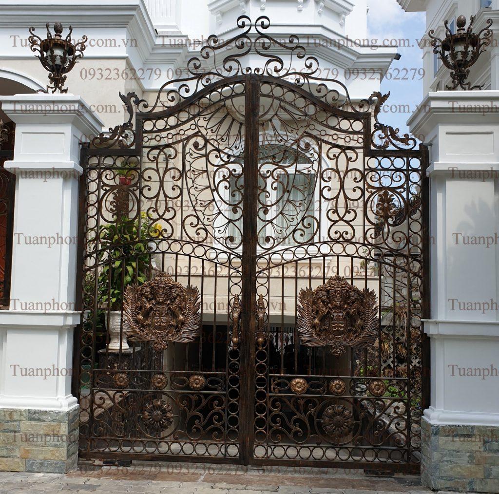 633b7bbb0ad4e98ab0c5 1024x1014 - Những mẫu cửa cổng sắt mỹ thuật đẹp nhất-cửa cổng biệt thự