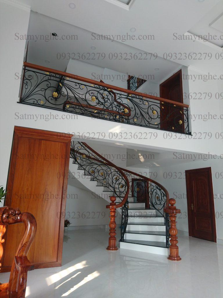 c20faf2885f563ab3ae4 768x1024 - 100+ mẫu lan can-cầu thang sắt nghệ thuật cổ điển đẹp xuất sắc